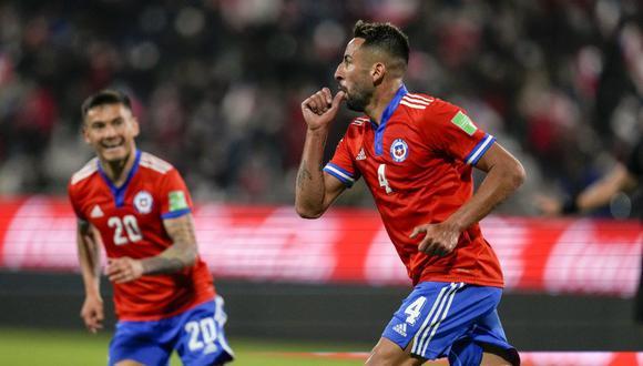 Chile venció por 2-0 a Paraguay en Santiago por las Eliminatorias rumbo a Qatar 2022. (Foto: AFP)