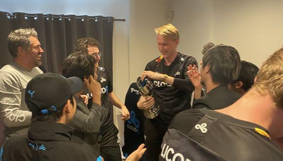 League of Legends: Cloud9 gana su primer torneo y rompe el trofeo a los 2 horas.