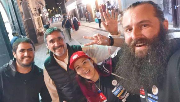 Sebastián Cavallero, su padre Claudio Cavallero, Fernanda Kanno y Alonso Carrillo ya están en Arabia Saudita. (Foto: Instagram)