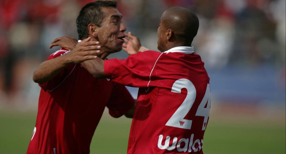 Descentralizado 2007: En un caso atípico, un gol de Paul Cominges de Coronel Bolognesi le dio el título del Descentralizado 2007 a U. San Martín, debido a las reglas de ese campeonato. (USI)