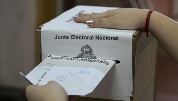 En las PASO se elige qué agrupaciones políticas podrán participar en las elecciones generales del 14 de noviembre (Elecciones Legislativas) (Foto referencial: Juan Mabromata / AFP)