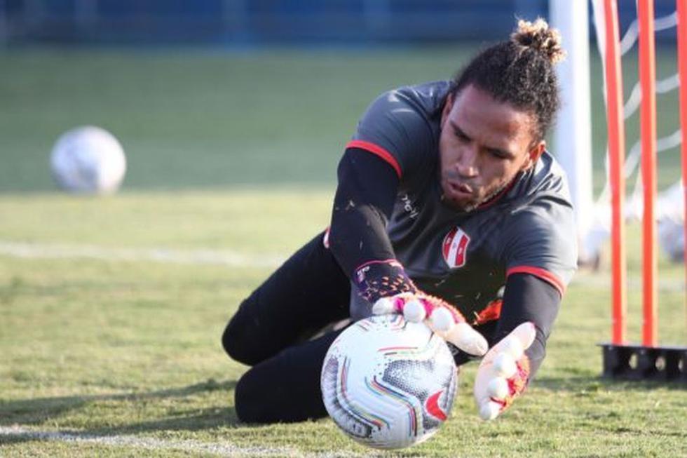 La selección peruana entrenó por primera vez en Brasil y ya piensa en el partido contra Venezuela por el cierre de fase de grupos de la Copa América. (Foto: FPF)