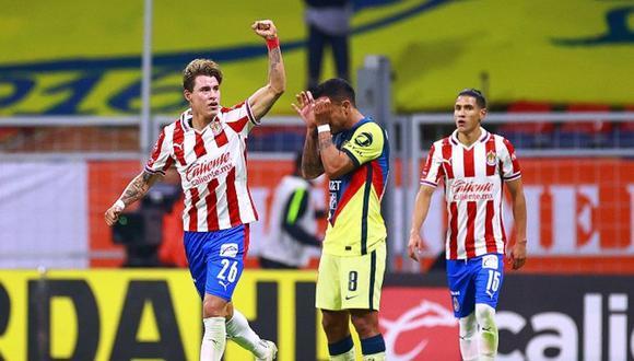 Chicote Calderón en festejo con Chivas ante América. (Foto: IMAGO7)