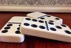 Fanáticos del dominó crean una mesa que ha causado revuelo en las redes