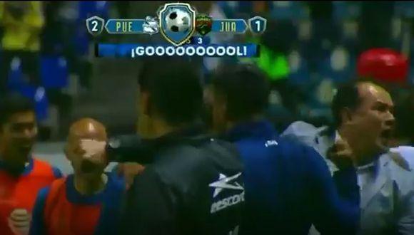 Puebla ganó 2-1 a Juárez y así fue la celebración del entrenador peruano Juan Reynoso.