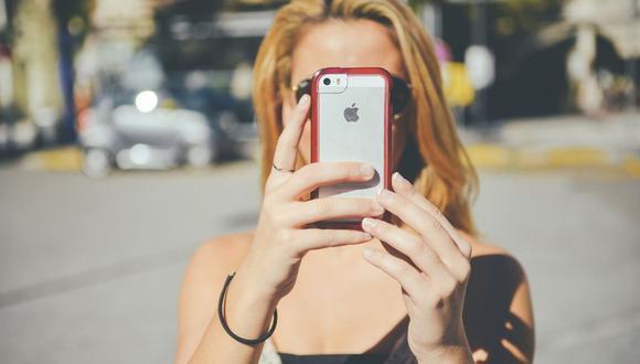 Conoce algunos errores que podrían estar acabando con la vida útil de tu celular (Foto: janeb13/ Pixabay)