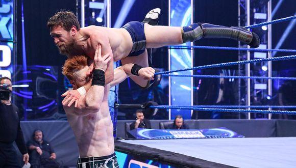 Daniel Bryan y Sheamus durante una pelea en SmackDown. (Foto: WWE)