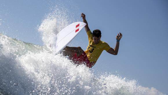 Las medallas del surf olímpico se definirán en las próximas horas. (Foto: AFP)