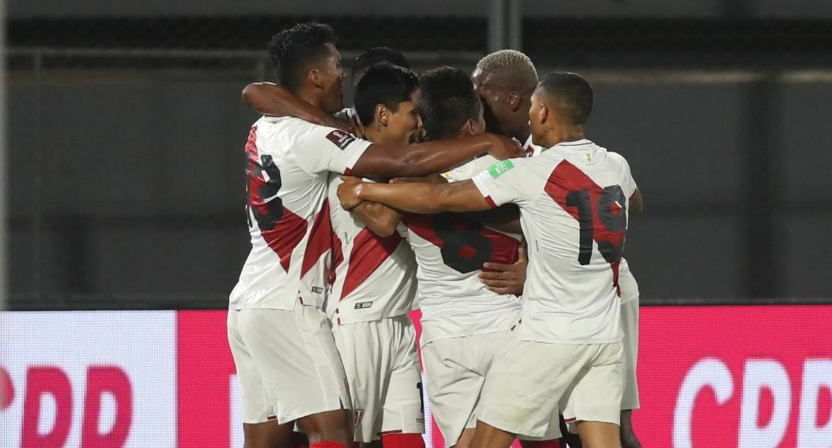 jefferson-farfan-y-christofer-gonzales-y-sus-mensajes-tras-la-derrota-ante-brasil