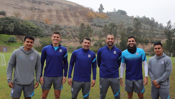 Edgar Benítez junto a Jairo Concha, Sebastián Gonzáles, Hernán Barcos, Pablo Míguez y Ricardo Largos (Foto: Alianza Lima)