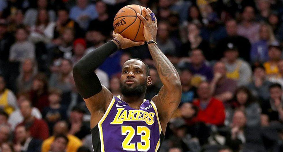 LeBron James de Los Angeles Lakers, capitán de su equipo. (Getty Images)