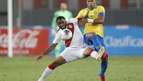 Jefferson Farfán arrancó de '9' ante Brasil: ante Paraguay ingresó en la etapa complementaria  (AFP)