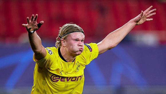 Erling Haaland marcó dos goles en triunfo del Dortmund en el Sánchez Pizjuán. (Getty)