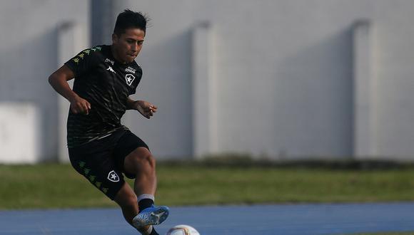 Alexander Lecaros mostró su agradecimiento a Juan Reynoso. (Foto: Vitor Silva / Botafogo)