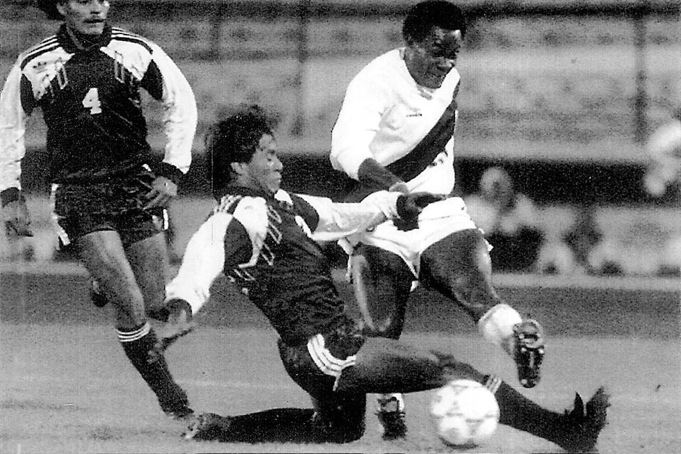 La mayor goleada en estos enfrentamientos ocurrió en la edición de la Copa América de 1991, que se disputó en Chile. El cuadro bicolor se impuso por 5 a 1 en el partido, con goles de Eugenio La Rosa (9' y 55'), Roberto Carvallo (21') en propia puerta, José del Solar (58') y Jorge Hirano (62').