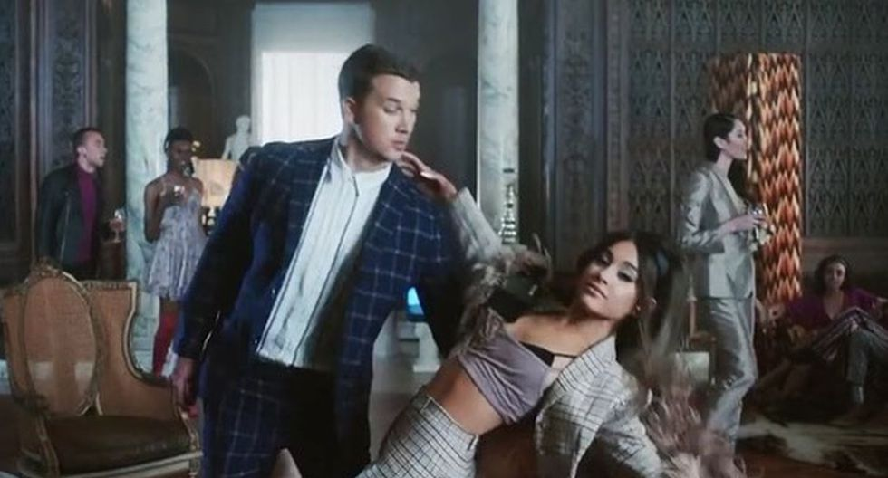 "Millie Bobby Brown, ""Eleven"" de Stranger Things, pegada con ""Boyfriend"" de Ariana Grande. (Imagen: Captura YouTube)"