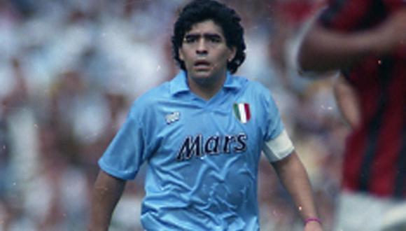 Diego Maradona jugó siete años para Napoli (Foto: EFE)
