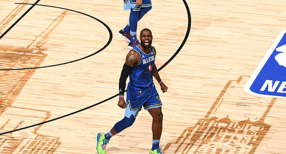 LeBron James festejando uno de los puntos durante el All Star Game. (Foto: Getty Images)