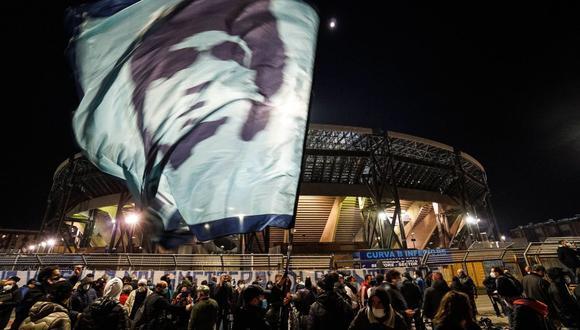 El San Paolo del Napoli pasará a llamarse Diego Armando Maradona. (Foto: EFE).