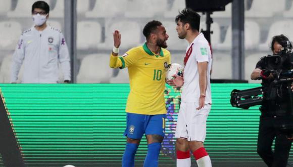 Neymar y Carlos Zambrano se encararon en el Perú vs Brasil. (Agencias)