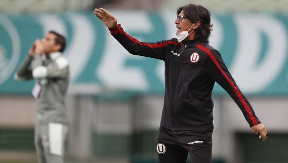 Comizzo durante el Palmeiras-Universitario en el cierre del grupo A. (Foto: Reuters)