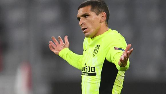 Lucas Torreira habló con Juan Román Riquelme tras expresar que quiere jugar en Boca Juniors. (Foto: Reuters)