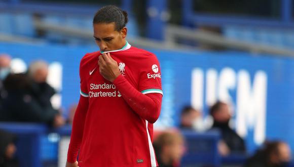 Virgil van Dijk se habría roto los ligamentos. (Foto: AFP)