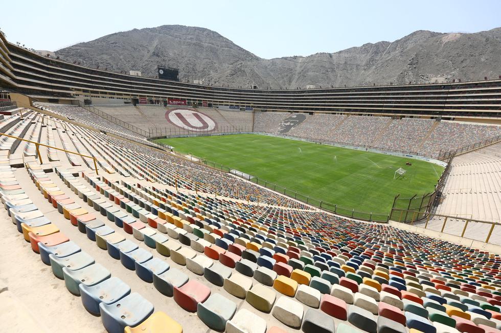Así luce el estadio Monumental, tras los trabajos de restauración al gramado. (Foto: Prensa U)