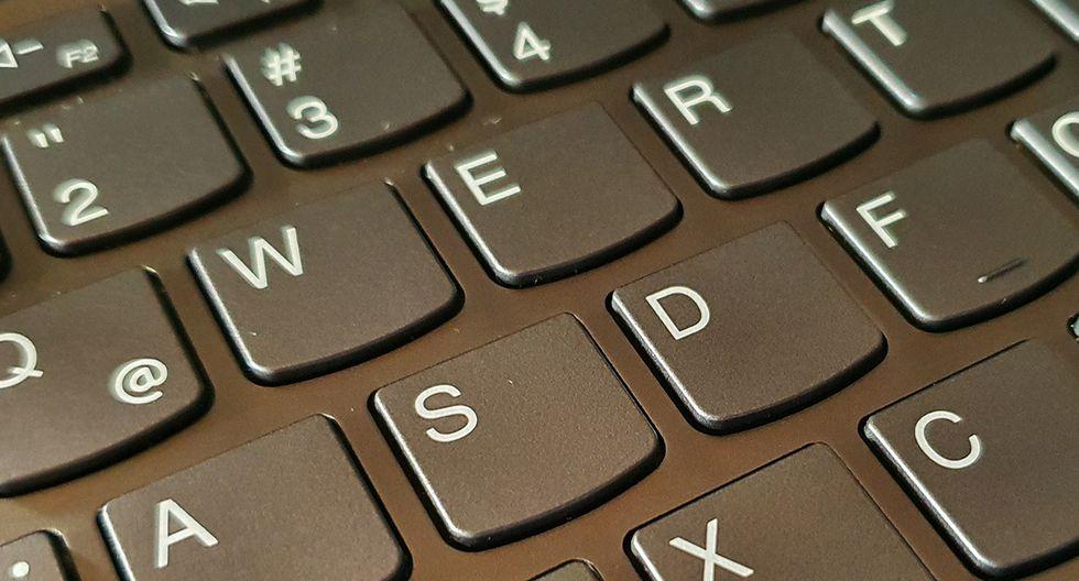 ¿Sabes cuánto tiempo el coronavirus puede permanecer en tu teclado? Esto debes de saber urgente. (Foto: MAG)