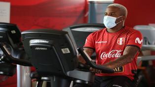 Jefferson Farfán aclara los rumores que lo vinculan con Deportivo Municipal