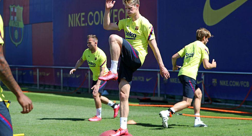 Frenkie de Jong juega como centrocampista en el Barcelona de LaLiga Santander. (Foto: Getty Images)