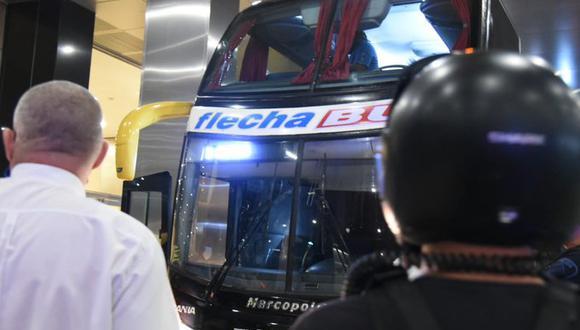 Así quedó el vehículo oficial de Santos tras sufrir el ataque. (Foto: Ivan Storti/Santos)