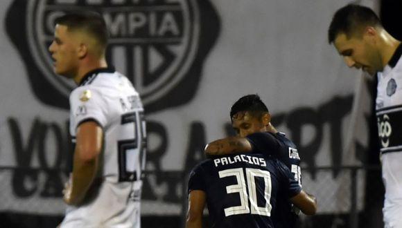 Sporting Cristal se despidió este jueves de la Copa Libertadores con un sorprendente triunfo por 0-1 en la cancha del Olimpia, primer clasificado del Grupo C a los octavos de final, y el pase para jugar la segunda fase de la Copa Sudamericana. (Foto: AFP)