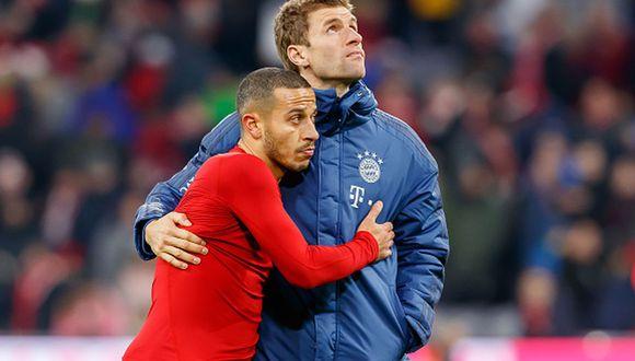 Thiago y Thomas Müller ya piensan en su salida del Bayern Munich. (Foto: Getty Images)