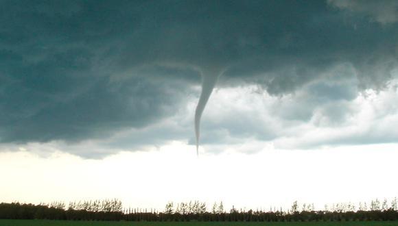 Un piloto de Oklahoma capturó un pequeño tornado y temió lo peor (Foto: Twitter))