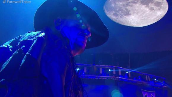 Survivor Series 2020 culminó con la despedida a The Undertaker, quien se subió por última vez a un ring de WWE emulando al personaje que lo catapultó a la fama. (Foto: WWE)