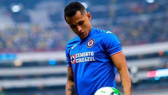 Yoshimar Yotun aú no gana títulos con la camiseta del Cruz Azul. (Foto: Diario Récord)