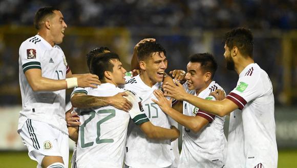 México se impuso 2-0 a El Salvador, por el octogonal clasificatorio. (Foto: AFP).