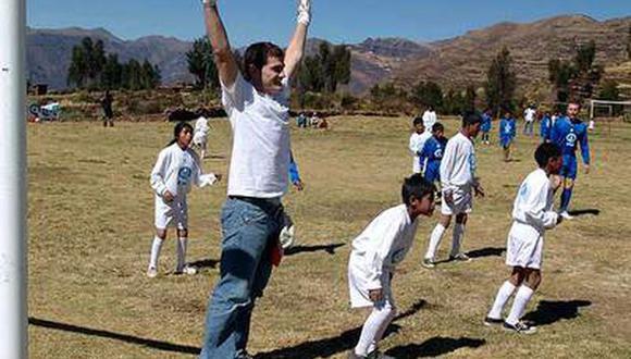 En 2008 Iker Casillas llegó hasta Cusco para apoyar a un ONG que trabaja con niños desfavorecidos.