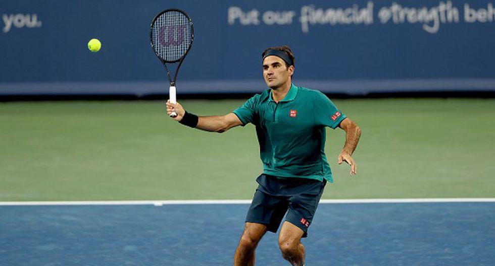 Roger Federer respondiendo en su duelo contra Juan Ignacio Londero. (Getty Images)