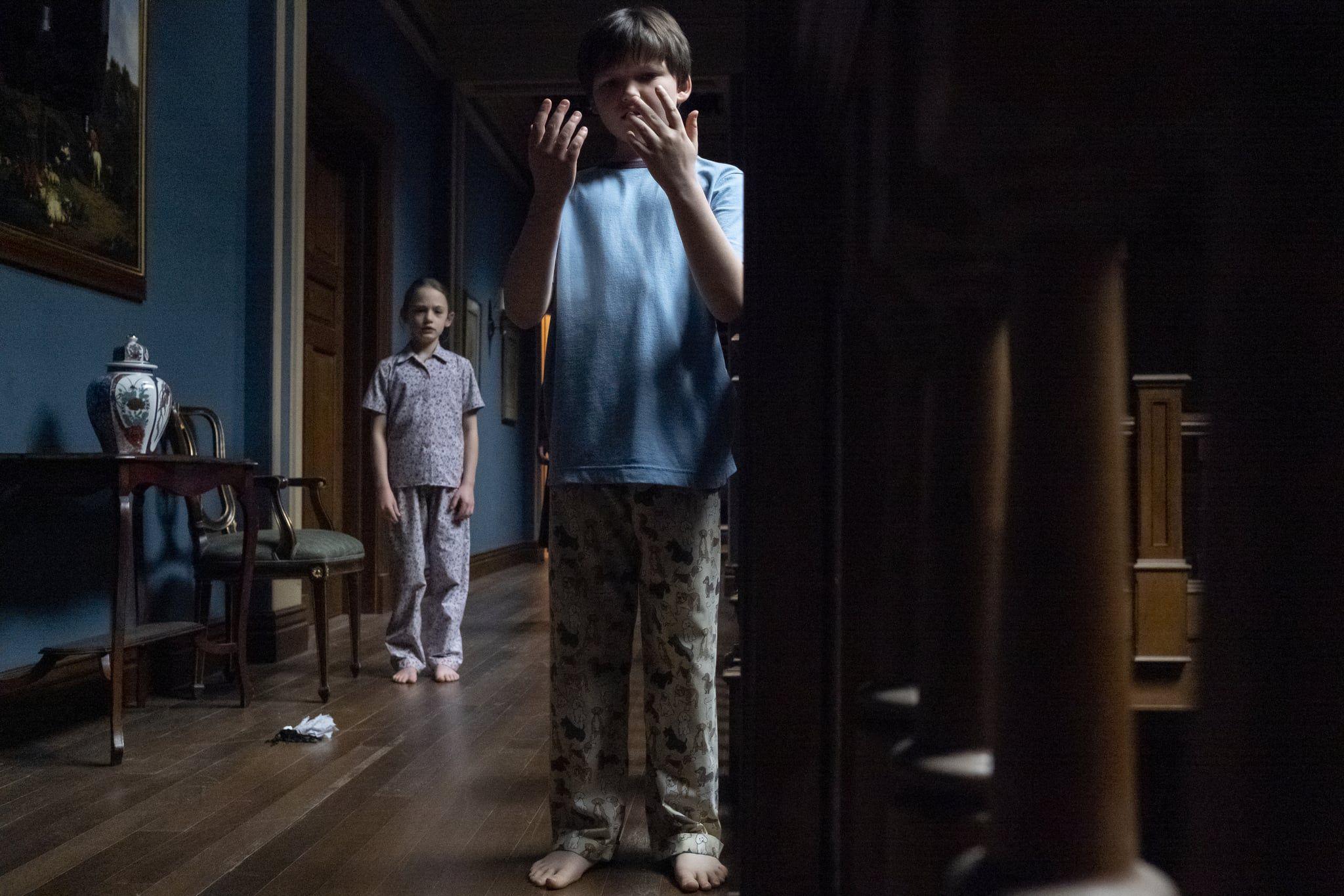 """¿Cómo murieron los padres de Miles y Flora en """"The Haunting of Hill House""""? (Foto: Netflix)"""