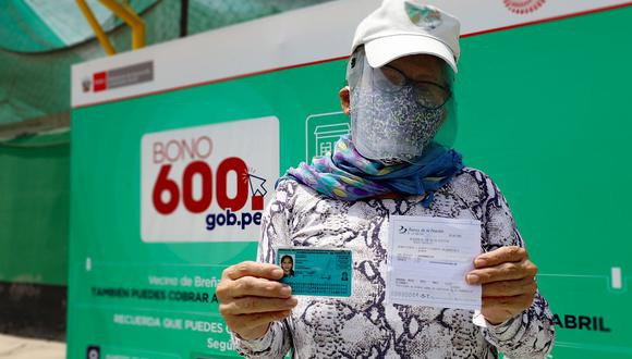 Beneficiarios del grupo 4 pueden cobrar el bono 600 soles en agencias itinerantes del Banco de la Nación. (Foto: GEC)