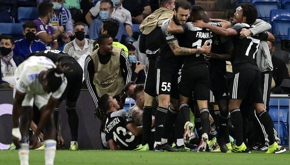 Real Madrid perdió 1-2 ante el Sheriff, por la segunda jornada de la Champions League. (Foto: AFP).