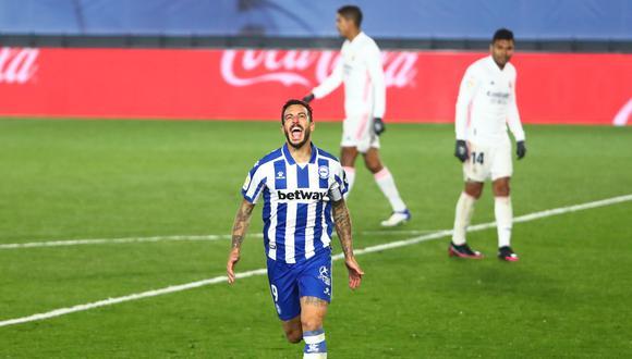 Lucas Pérez abrió el marcador para el Alavés desde los doce pasos. (Foto: @elchiringuitotv)
