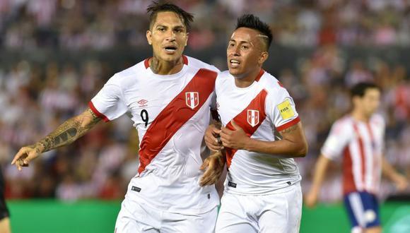 La Selección Peruana ha jugado tres Mundiales vistiendo la franja roja. (AFP)