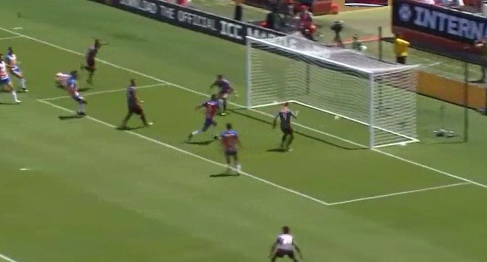 Raúl de Tomás anotó el 1-0 en el Benfica vs. Chivas por International Champions Cup. (YouTube)