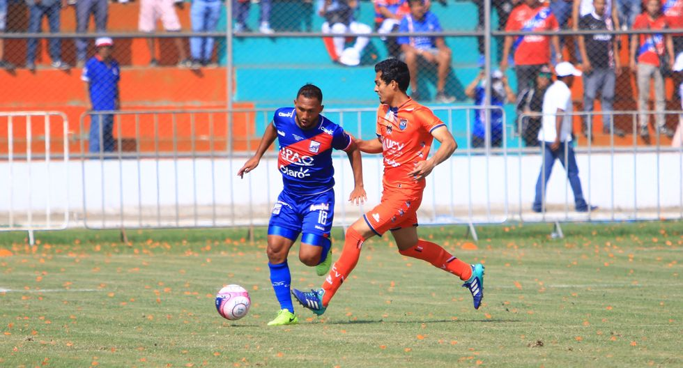 César Vallejo y Carlos A. Mannucci se enfrentan en el Estadio Municipal de Casa Grande. (Celso Roldán)