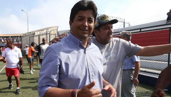 Víctor Rivera se queda en deportivo Municipal. (GEC)