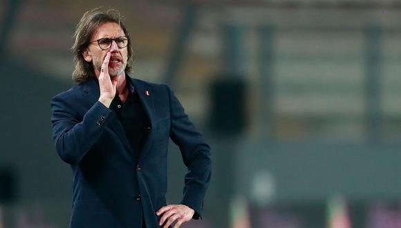 Gareca espera que la bicolor sume contra Argentina y no se siga complicando rumbo a Qatar 2022. (Foto: AFP)