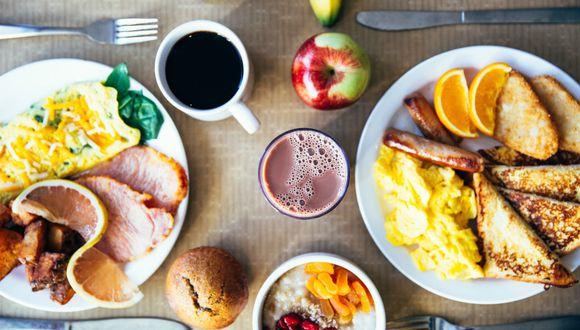Tener un desayuno energético es sencillo y puede beneficiarte más de lo que te imaginas. (Pexels)